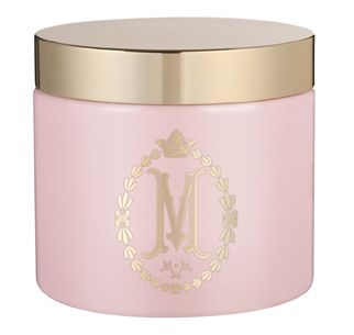 Unveil soft, radiant skin with this heavenly Body Scrub. Sugar crystals, drenched in Peach, Soybean and Avocado Oils with Vitamin E, work to exfoliate and smooth the skin, while Apricot and Mango Extracts soothe and softly nourish. The Sugar Crystal Body Scrub is tinted in the signature Marshmallow pink and embellished with the gold screen print and foil, capped off by a gold plated coloured lid.