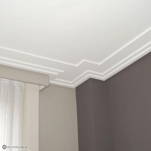 Best 25 moulure plafond ideas on pinterest moulures de for Moulure fenetre