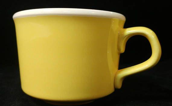 Mugs USA Pottery Yellow Coffee Cups Vintage Yellow Pottery Mug Set Marked USA Hot Tea Cups Cocoa Mugs Farmhouse Kitchen