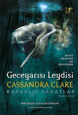 Geceyarısı Leydisi - Cassandra Clare PDF e-Kitap indir   Cassandra Clare - Geceyarısı Leydisi ePub eBook Download PDF e-Kitap indir Cassandra Clare - Geceyarısı Leydisi PDF ePub eKitap indir Bütün Hikâyeler Aşk Hikâyesidir (Bir Gölge Avcıları Romanı)Kahramanlar da kaybedebilir. Ama asla pes etmezler. Onları kahraman yapan da budur. Cassandra Clarein uluslararası çoksatar Ölümcül Oyuncaklar evreninde geçen yeni serisi Karanlık Sanatlarda Los Angeles Gölge Avcıları başrolde! Geceyarısı Leydisi…