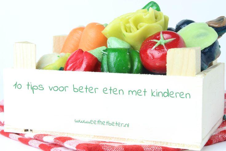 10 tips voor beter eten met kinderen. Geef kinderen respect en zelfvertrouwen en natuurlijk ook gezonde voeding met veel groente en weinig suiker.
