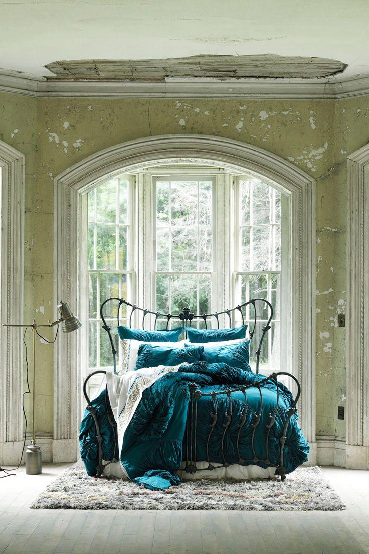 Lanna Duvet Cover - Anthropologie.com......I found my bedding :)