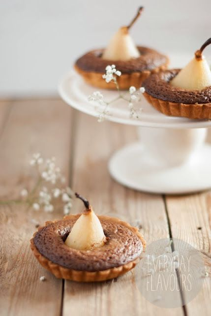 ♥ Nut Tartlets with Pears