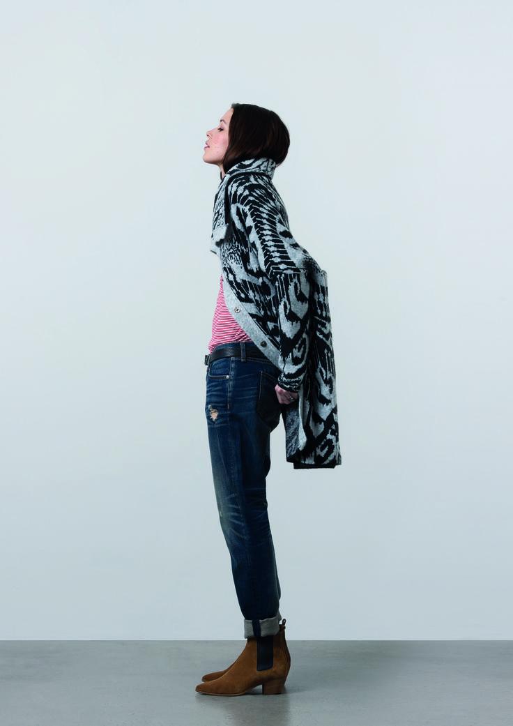 http://www.gatrimon.com/eshop/fr/ Cardigan : KONG Tee-shirt : TINTIN Jeans : BAGGY Boots : ELSEA