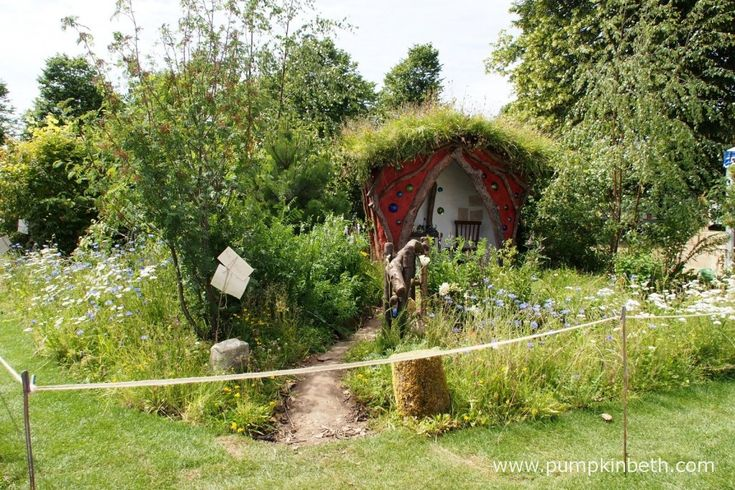 The Botanica World Discoveries: Winnie the Pooh Begins His Journey Garden was designed by Anthea Guthrie and built by Phil Game and Pure Folly.