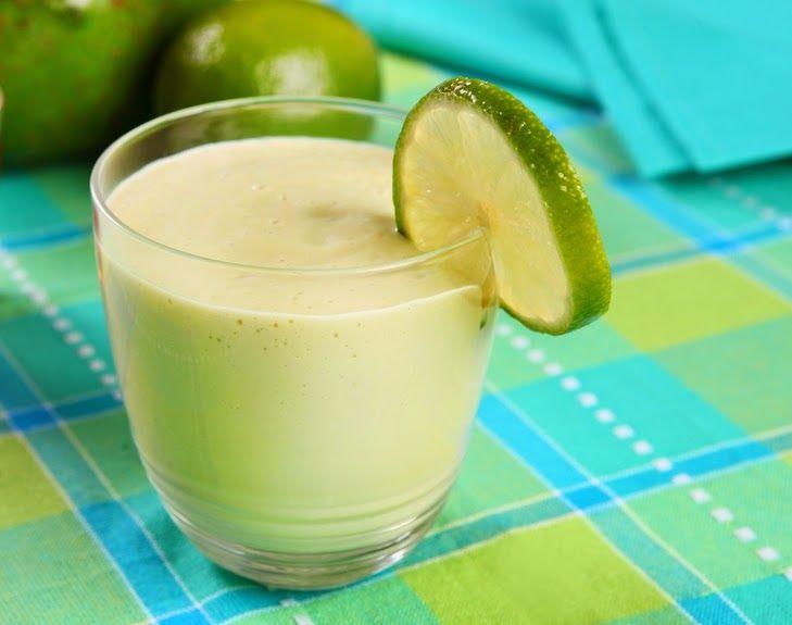 Cantinho Vegetariano: Vitamina de Abacate com Limão (vegana)