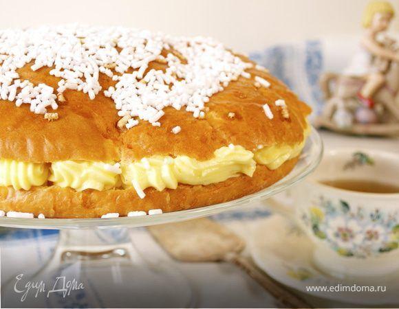 Рецепт этого десерта из городка Сан-Тропе храниится в большом секрете! И считается, что его изобрел кондитер Александр Мика в 1955, будучи вдохновленным своим любимым десертом, который готовила ещ...