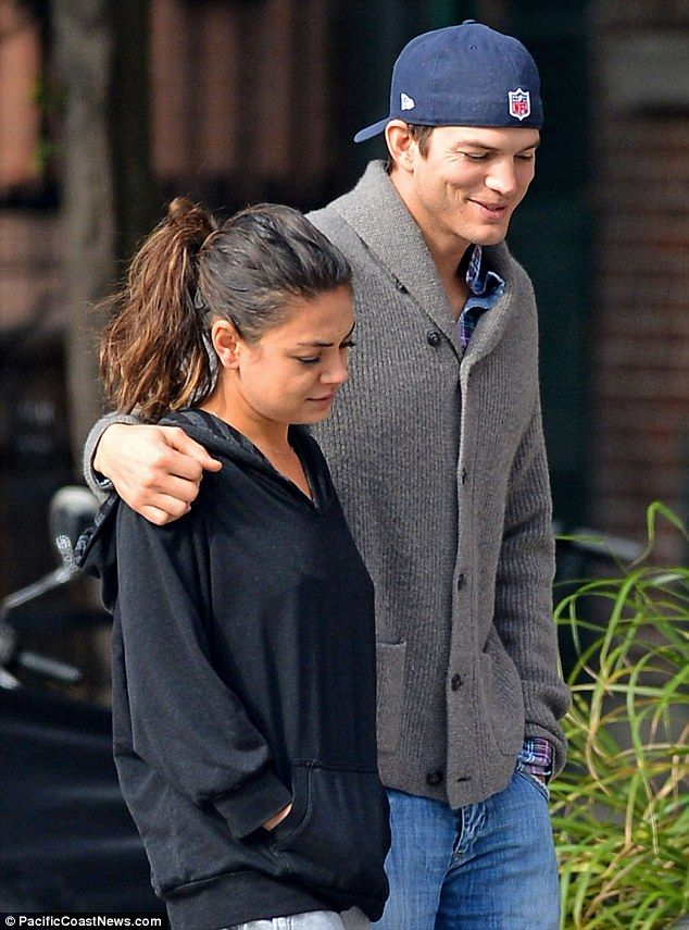 Mila Kunis goes outside without combing her hair!