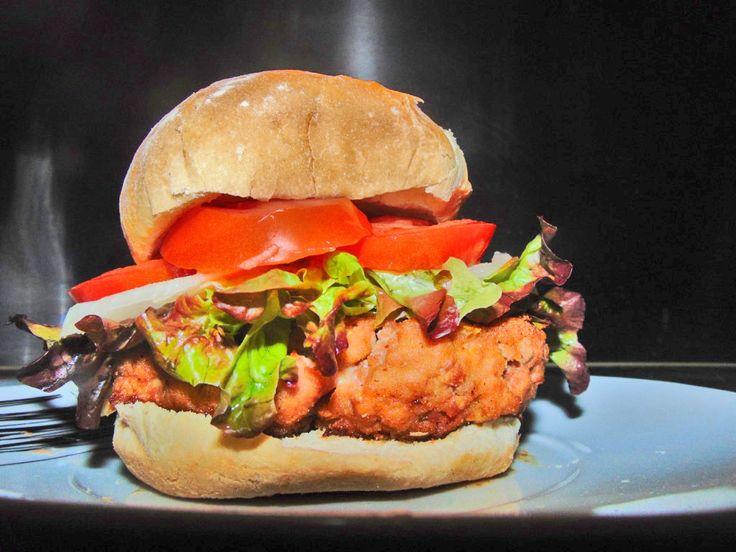 Hamburguesa de Cerdo y Ternera marinada con queso, bacon y mostaza antigua