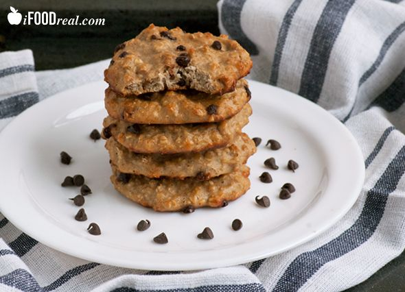 15 Minute+5 Ingredient High Protein Cookies Recipe  (Bananas, oats, peanut butter, whey protein, chocolate chips)