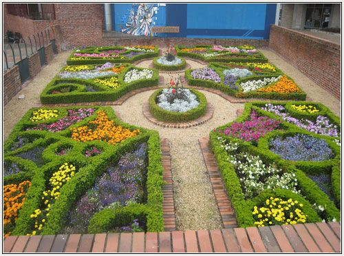 Knot gardens went back centuries ago especially during the 14th and 15th ...muriellesgarden.com