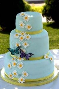 Wedding cakes with daisies | The Wedding Specialists