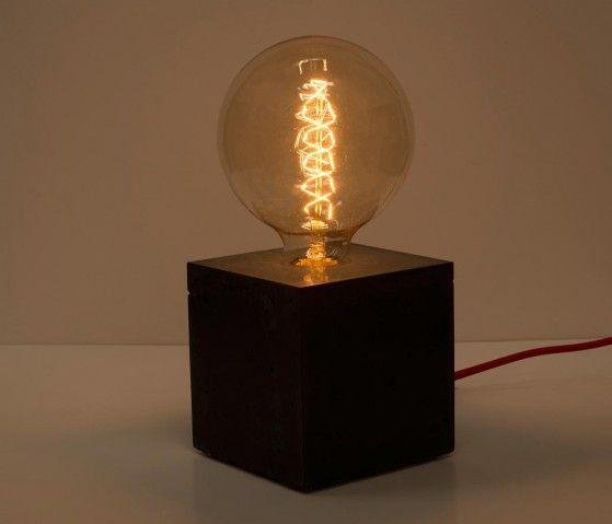 http://www.gaiadesign.com.mx/muebles/iluminacion/lampara-de-mesa-cenotillo-negro-con-blanco.html?color=Black