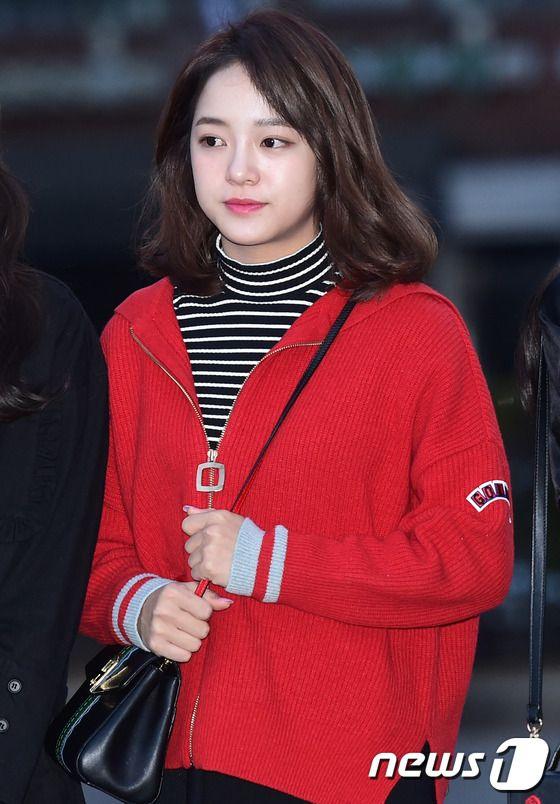 Taeyeon đụng độ tiểu Taeyeon, nữ thần tượng xấu nhất Kpop Umji bỗng đẹp rạng rỡ - Ảnh 5.