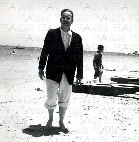 Allende en la playa