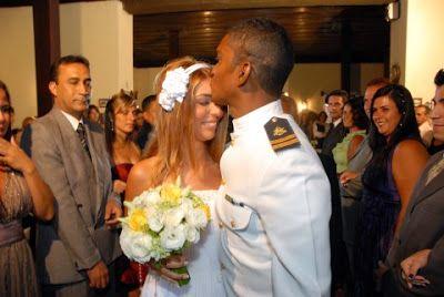 OS ESQUILOS RESTAURANTE:          Hoje é Dia Mundial do Beijo , então nossa...