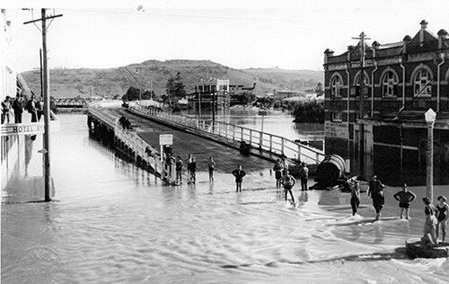 Lismore floods of 1915 (New South Wales).A♥W