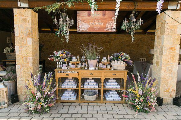 Gorgeous outdoor wedding ideas! Louis reception table!