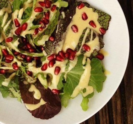 Das Rezept | Wintersalat mit Sesamdressing und Granatapfelkernen