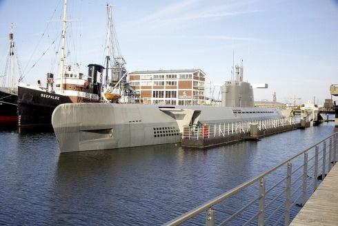 Submarino U-Boot 2540 «Wilhelm Bauer»    El submarino Wilhelm Bauer, originalmente designado U-2540, es un U-Boot Tipo XXI completado poco antes del final de la Segunda Guerra Mundial, el 24 de febrero de 1945 y fue hundido el 4 de mayo sin haber realizado patrulla alguna. Es el único ejemplo flotante del Tipo XXI de U-Boot.