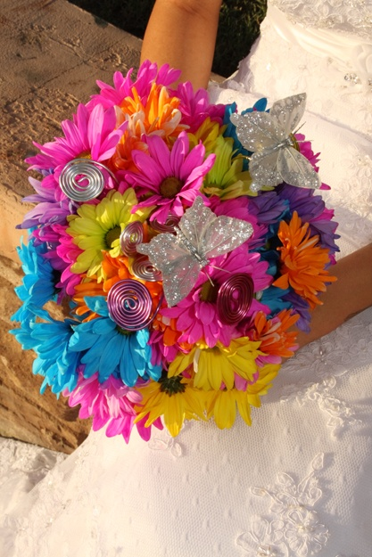 Crazy daisies with a splash of sparkle! ~ Crazy Daisy Weddings ~ Crazy Daisies Flowers & Gifts