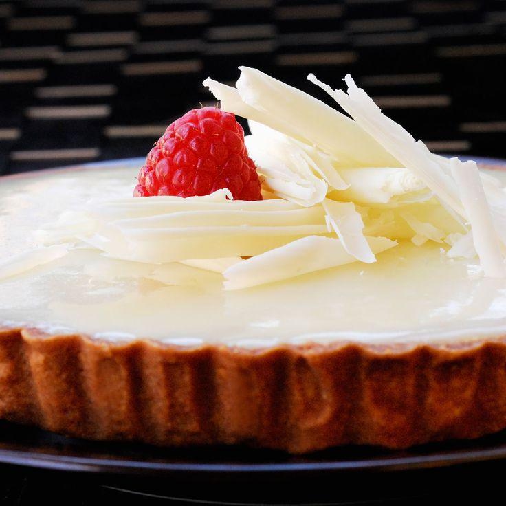 Découvrez la recette de la tarte aux framboises et chocolat blanc