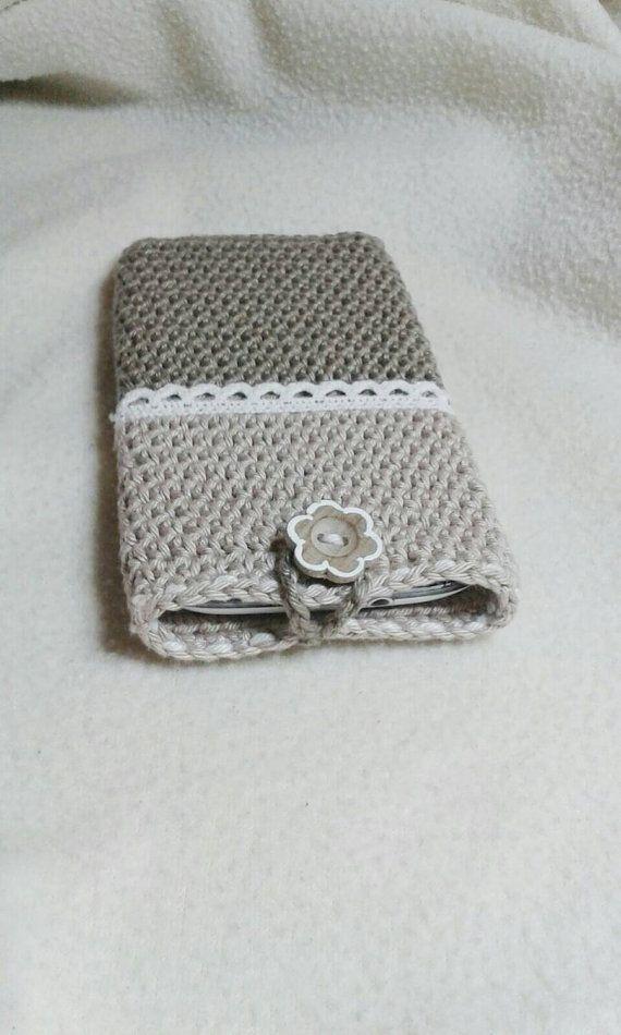 Sieh dir dieses Produkt an in meinem Etsy-Shop https://www.etsy.com/de/listing/262140765/handytasche-vintage-taupe-creme-gehakelt