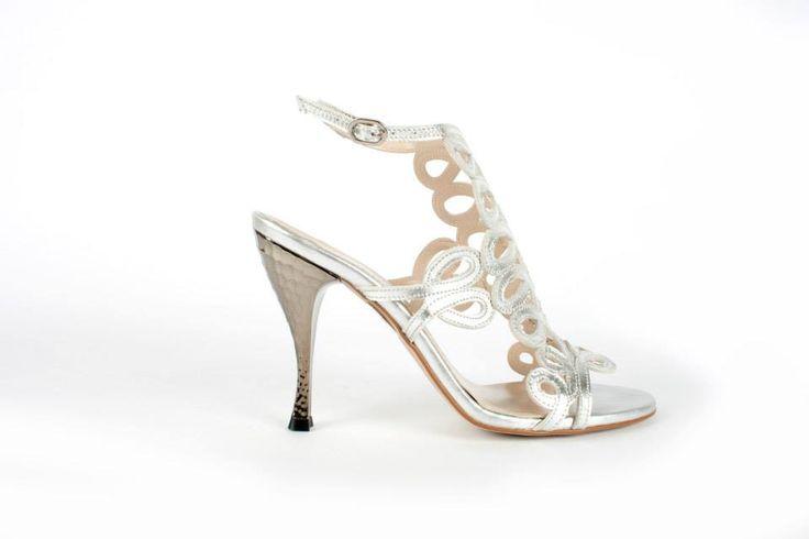 Vieni a trovarci! Ultimo week end di #Saldi da Formentini Outlet !!! Una super occasione? A -50% questo nostro modello di #Sandalo in argento!