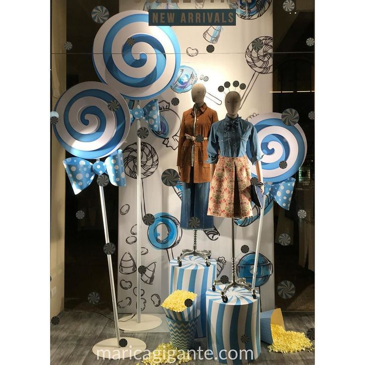 Sweets and candies for the new spring collection into  @stefanel_official #window. At least something different than flowers blooming