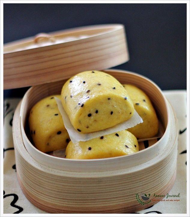 Pumpkin Mantou (Pumpkin Buns)