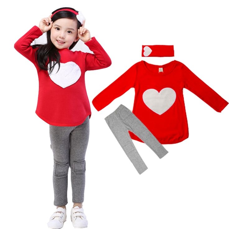 Купить товар3 шт. любовь комплект = 1 шт. группа волос + 1 шт. футболки + 1 шт. брюки детская одежда комплект девушки одежды костюмы розовый красное в форме сердца дизайн в категории Комплекты одеждына AliExpress.                             Супер милые девушки длинные рукава одежды набор