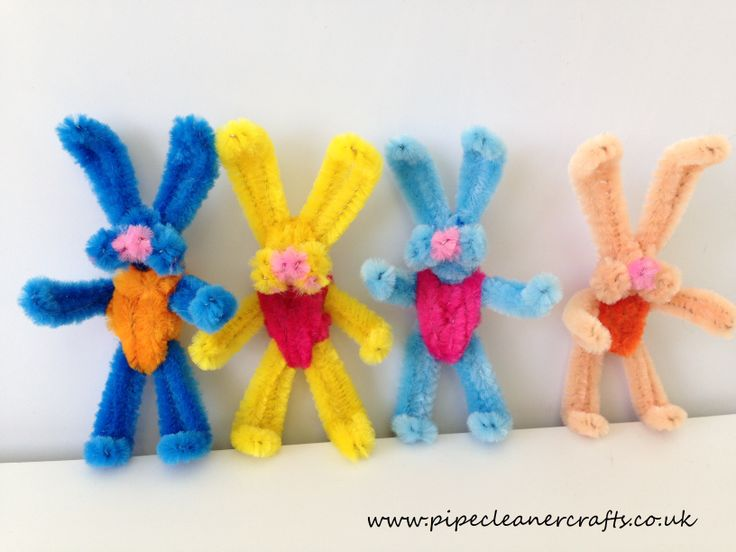 pipe cleaner bunnies - standing. preparing the video tutorial.