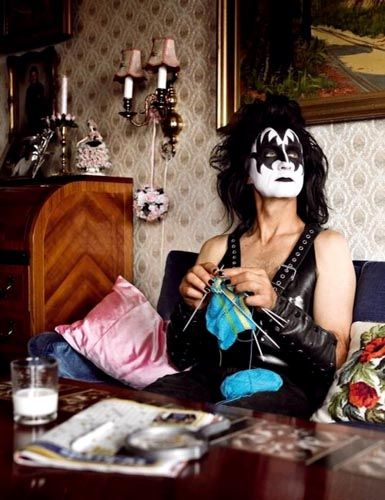""".. pq um dia a gente passa da fase do """"rock and roll all night and party every day"""".. mas o espírito permanece! hauhuah"""