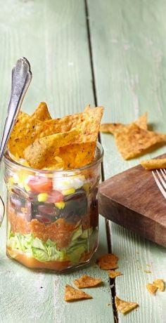Schnell und praktisch muss er sein, der Picknick-Snack to go. Bestens geeignet ist da der würzige Taco-Schichtsalat im Weckglas nach unserem REWE Rezept! »  https://www.rewe.de/rezepte/schneller-taco-schichtsalat-im-glas/