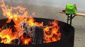 Mit den Füßen im November in die Ostsee, danach am Feuer und beim Glühwein aufwärmen... das geht auf den 9. #Usedomer #Wellnesstagen