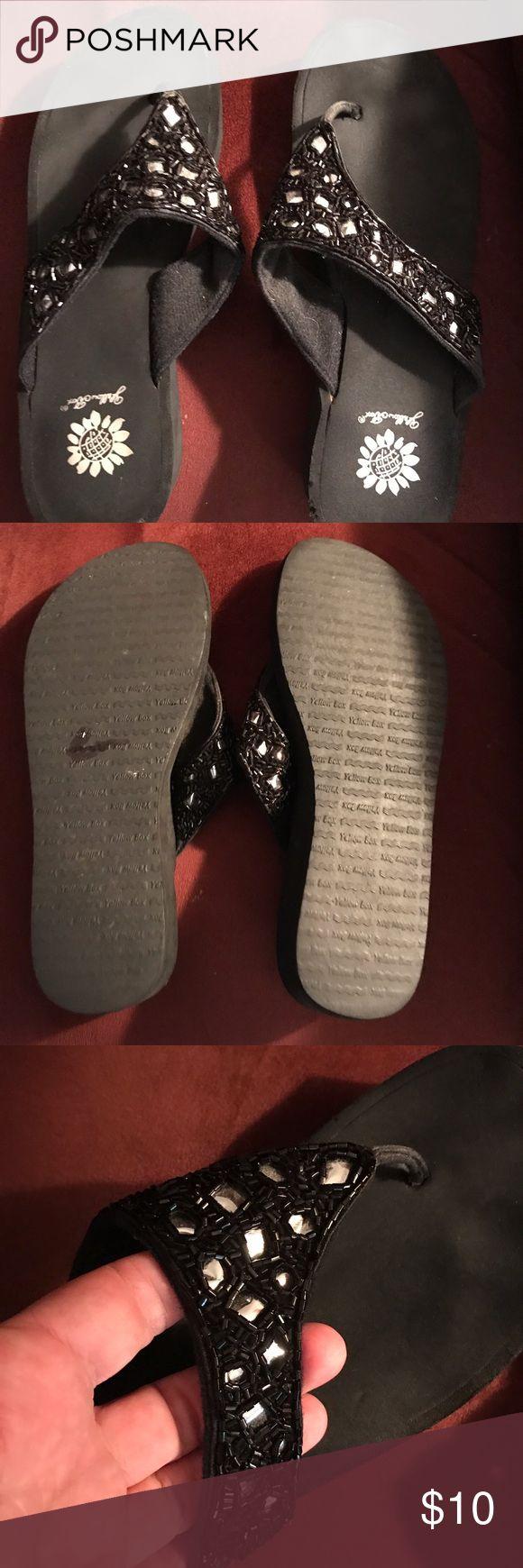 Black Yellow Box Flip Flops- sz 9 Black Flip Flops by Yellow Box- sz 9- gently worn Yellow Box Shoes Sandals