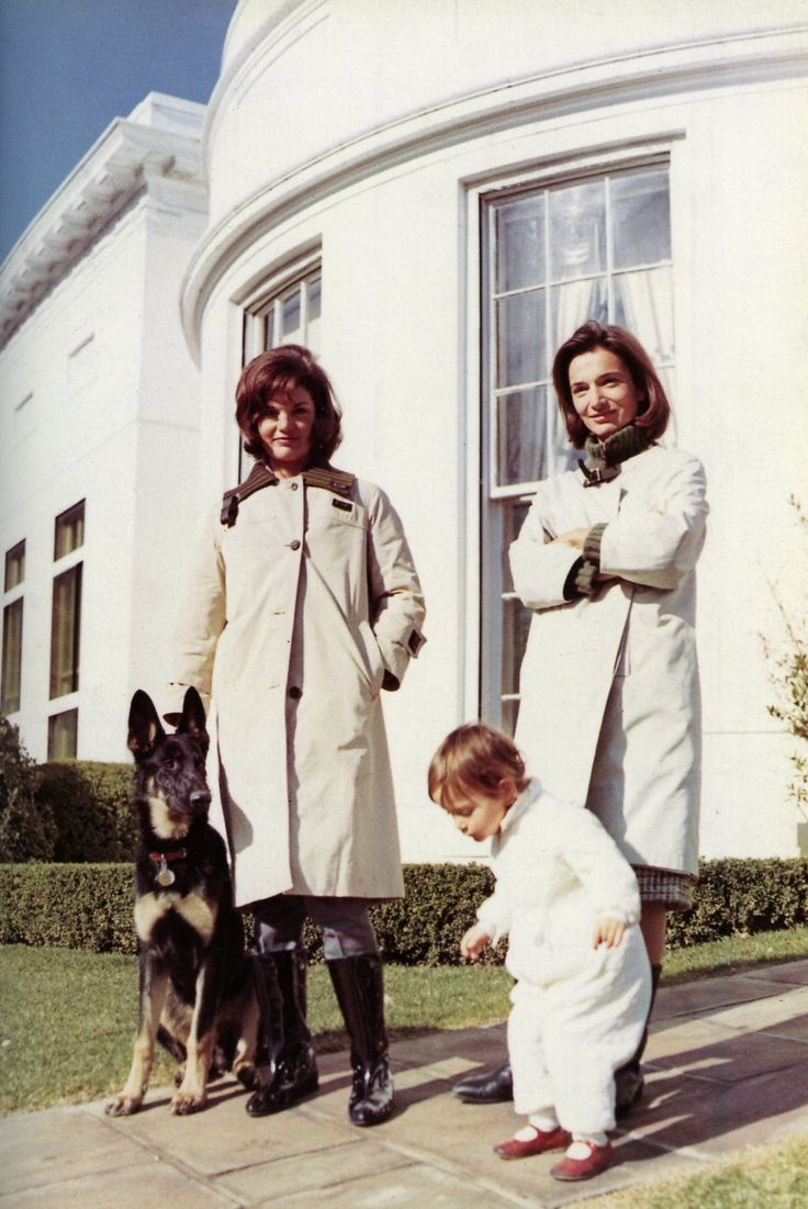 Jackie and her sister at the White House.  Christina is walking towards her Aunt's dog, Clipper.