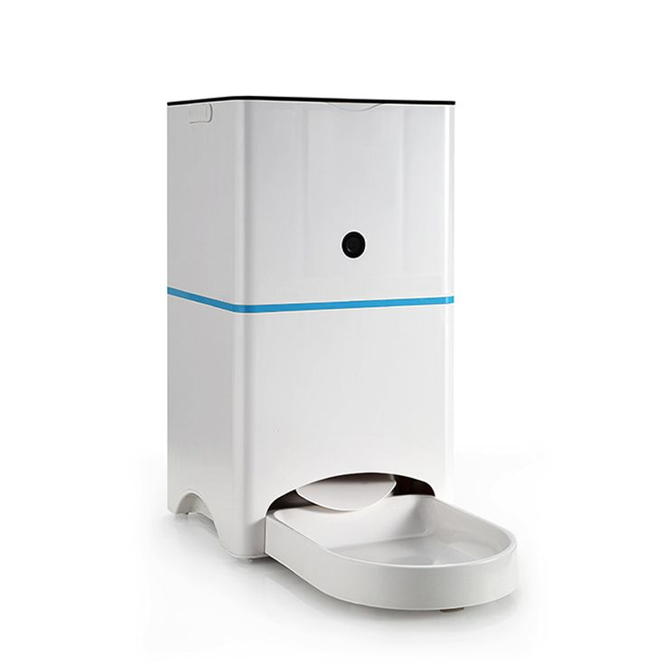 High-quality plastic automatic dog/cat feeders dog food dispenser with timer can mobilephone remote control and video size 37.5*