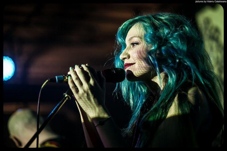 #andreeaverde #greenhair #concert