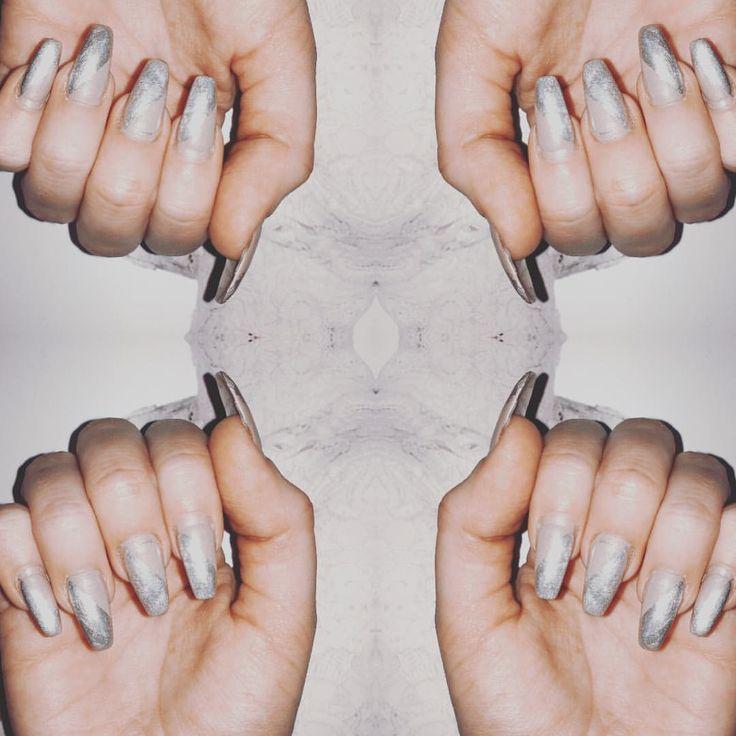 Snowy nails! ❄️