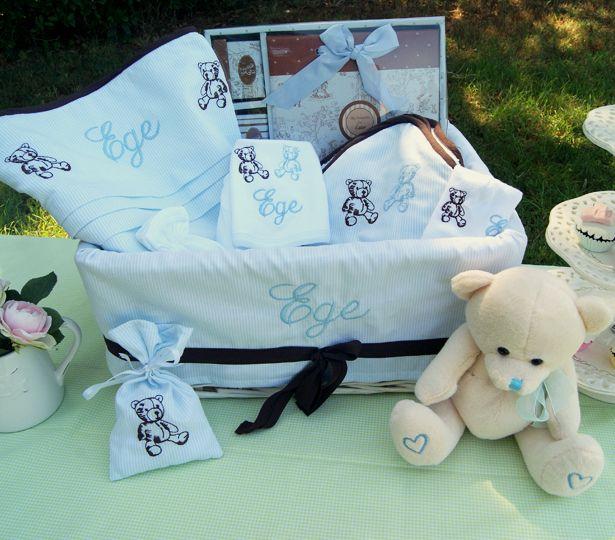 Ayıcıklı Bebek hediye seti...Bebek sepetleri Kidomino'da www.kidomino.com #bebeksepeti #bebekhediye #yenidoğanhediye