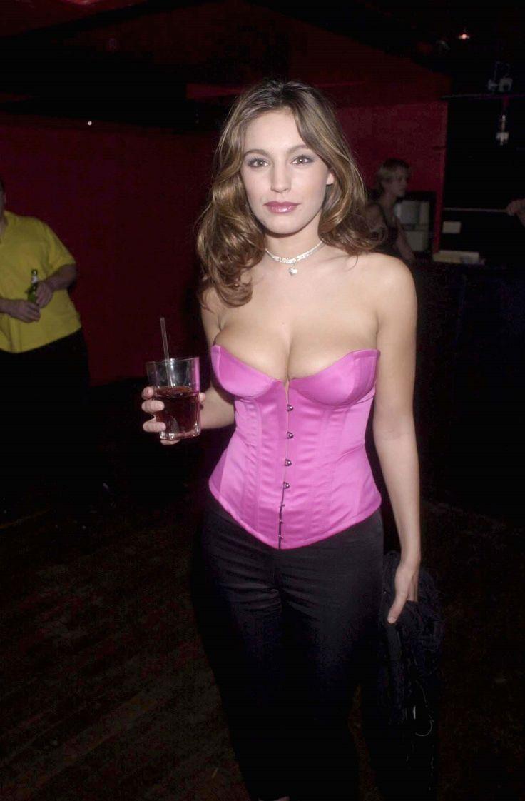 Kelly Brook – Kabaret Club, London, 17.03.00