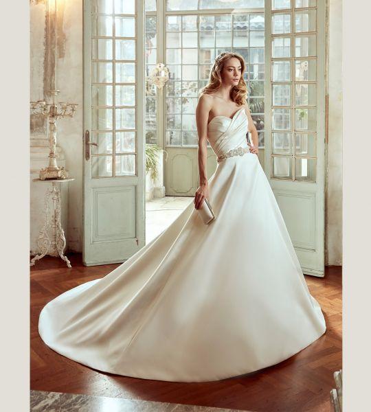 Vestidos de novia escote corazón 2017: 30 magníficos diseños que te harán soñar Image: 24