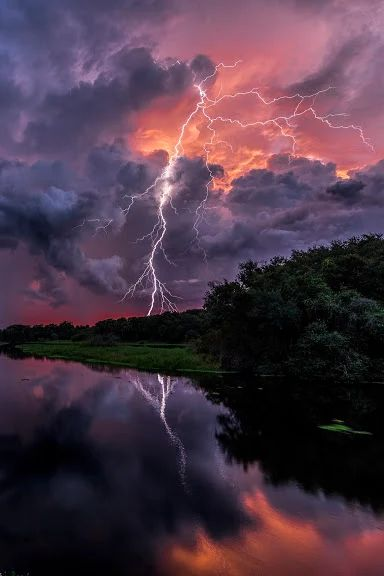 There is something magical about watching lightning..