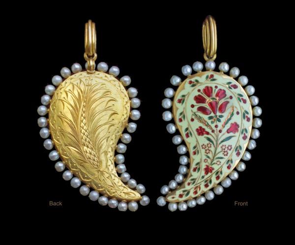 ROBERT PHILLIPS (1860-1881) Mughal inspired reversible pendant (1875 United Kingdom)