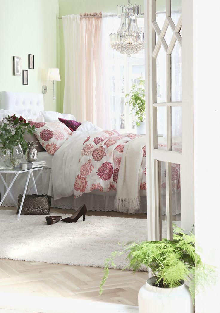 Vårigt sovrum i härliga färger!