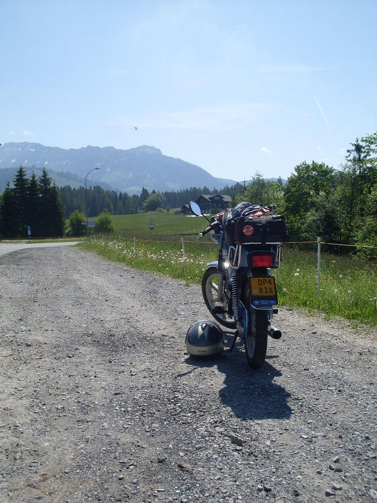Tijdens de vakantie rit naar Zwitserland in 2012. Zie http://www.zundapp529.nl/