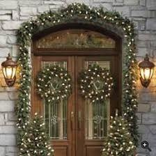 traditional front doors with Christmas decorations.: Holiday, Christmas Front Doors, Lights Christmas, Christmas Lights, Christmas Ideas, Outdoor Christmas