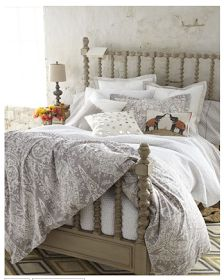 Love this color for spindle bed!