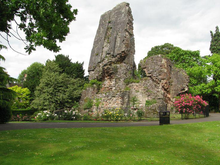 Ruins of Bridgnorth Castle... MP